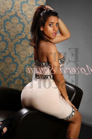 Souhayla escort girl in Palmetto Bay FL