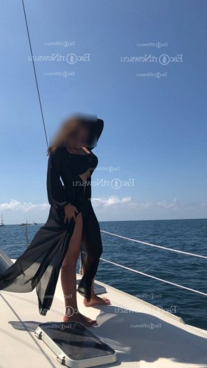 Linaelle escorts in Seymour