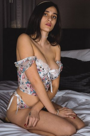 Tuana live escort in Mercedes